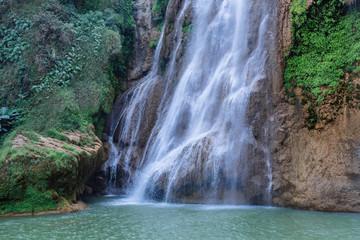 Marron chocolat Beautiful waterfall at Thi Lo Su,In Thailand
