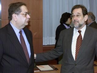 PORTUGUESE FOREIGN MINISTER JAIME GAMA TALKS WITH JAVIER SOLANA EUROPEAN HIGH REPRESENTATIVE FOR ...