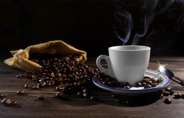 Taffa di caffè e fumo