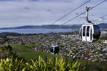 Poster Nieuw Zeeland Riding cable car above Rotorua North Island New Zealand