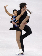 Keauna McLaughlin and Rockne Brubaker of the U.S. perform during the Pairs Short program during the 2009 ISU World Figure Skating Championships in Los Angeles