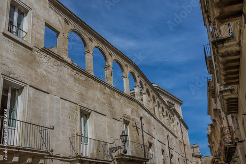 lecce italien historische bogen architektur in apulien wetter