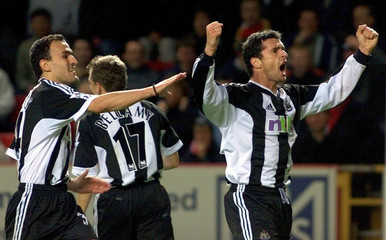 NEWCASTLE'S SPEED CELEBRATES SCORING AGAINST CHARLTON ATHLETIC AT THEVALLEY.