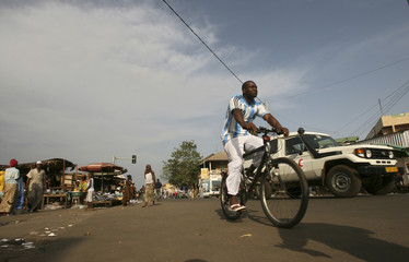 "A view of a street near the ""Niger"" market in Conakry"