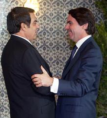 TUNISIAN PRESIDENT ZINE EL ABIDINE BEN ALI WELCOMES SPANISH PRIMEMINISTER JOSE MARIA AZNAR AT ...