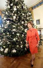 First lady Laura Bush gives tour of holiday decor at White House