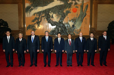 SHANGHAI COOPERATION ORGANISATION FOREIGN MINISTERS AND CHINESE PRESIDENT HU JINTAO POSE FOR PHOTO IN ...