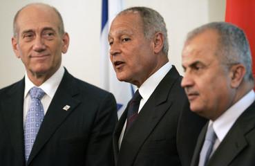 Israel's PM Olmert meets Jordanian Foreign Minister al-Khatib and Egyptian Foreign Minister Aboul Gheit in Jerusalem