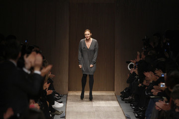 British designer Stella McCartney appears at the end of her Fall/Winter 2008/09 women's ready-to-wear fashion show in Paris in Paris