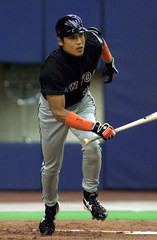 METS SHINJO TAKES OFF AFTER HITTING A DOUBLE AGAINST METS.
