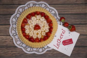 Obstkuchen mit Serviette Leckerei
