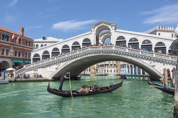 Obraz View of the Grand canal and the Rialto bridge. Venice, Italy - fototapety do salonu