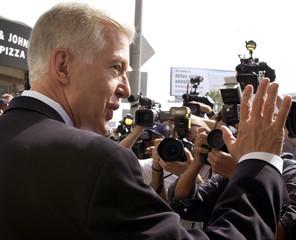 CALIFORNIA GOVERNOR GRAY DAVIS ARRIVES TO VOTE.
