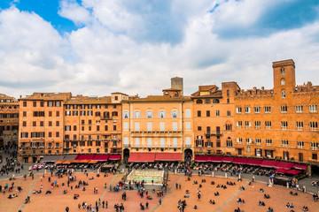 Piazza del Campo à Sienne en Toscane vu du haut de la Torre del Mangia