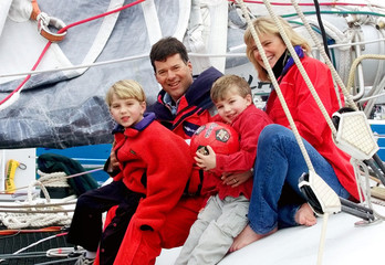TEAM ADVENTURE SKIPPER USA CAM LEWIS AND HIS FAMILY.
