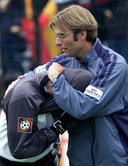 GOALKEEPER WACHE OF FSV MAINZ 05 IS COMFORTED BY COACH KLOPP AFTER THEYLOST MATCH AGAINST FC UNION ...