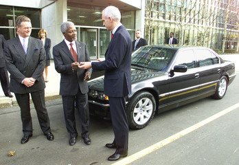 UN SECRETARY GENERAL KOFI ANNAN GETS KEYS FOR NEW CAR.