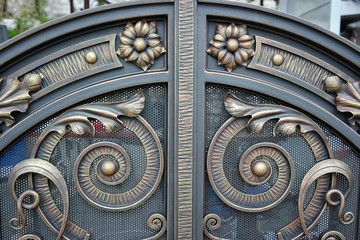 Metal gates - decoration and protection of private properties