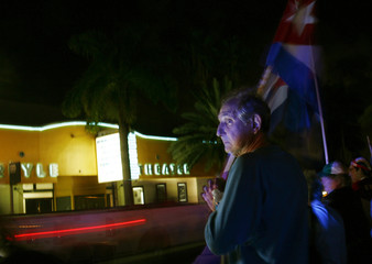 "Anti-Castro activists protest against an Ernesto ""Che"" Guevara film premiere in Miami"