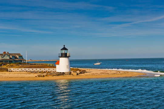 Brant Point Light Lighthouse, Nantucket Harbor, Nantucket, Cape Cod, Massachusetts, USA..Brant Point Light Lighthouse, Nantucket Harbor, Nantucket, Massachusetts, USA