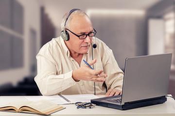 Online lesson with freelance teacher