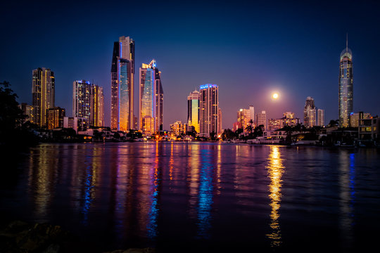 Moonrise at Sunset over Surfers Paradise