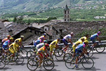 THE PACK RIDE DURING THE 15TH STAGE OF GIRO FROM BORMIO TO BRESCIA.