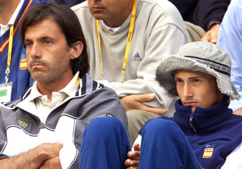 SANCHEZ AND FERRERO WATCH ARANTXA LOSE TO VENUS WILLIAMS.