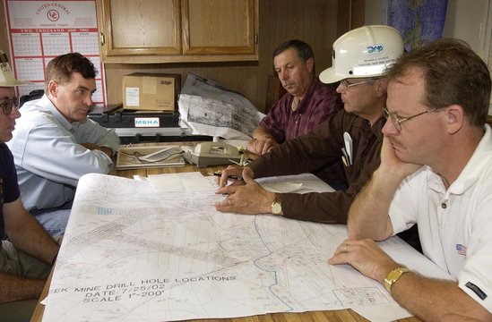 PENNSYLVANIA GOVERNOR SCHWEIKER AND MINE OFFICIALS LOOK OVER MAP.