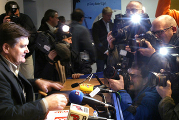 MEYER, NEW COACH OF STRUGGLING BUNDESLIGA SIDE HERTHA BERLIN IS SURROUNDED BY THE MEDIA DURING A ...