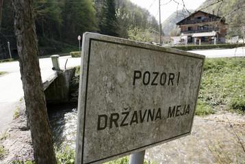 To match feature CROATIA-SLOVENIA/BORDER