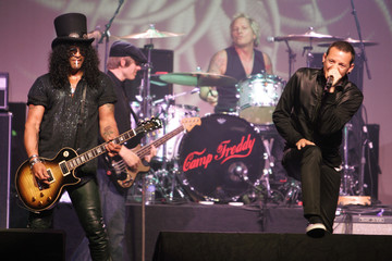 Rock guitarist Slash and Chester Bennington at the MusicCares MAP Fund benefit concert in Hollywood