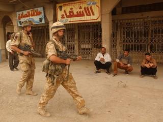 BRITISH SOLDIERS PATROL IN BASRA.