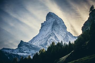 Obraz Matterhorn - widok z Zermatt - fototapety do salonu