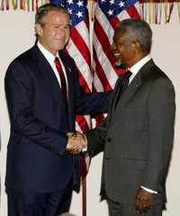 BUSH MEETS WITH KOFI ANNAN AT UNITED NATIONS GENERAL ASSEMBLY IN NEWYORK.