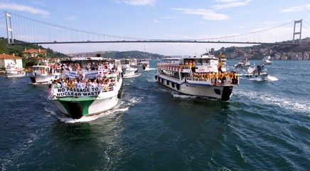 TURKISH ENVIRONMENTALISTS SAIL TO PROTEST AGAINST OIL TANKERS ON BOSPHORUS.