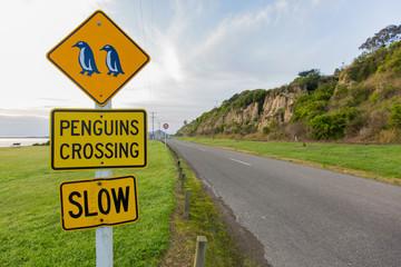Penguins Crossing Schild Slow in Neuseeland