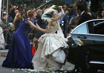 """Actors Cynthia Nixon, Sarah Jessica Parker and Chris Noth on the set of """"Sex and the City:The Movie"""" in New York"""