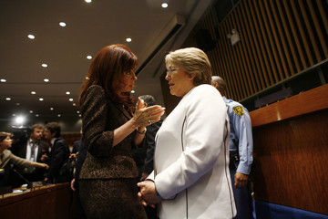 Argentina's President Kirchner speaks with Chile's President Bachelet during meeting at U.N. General Assembly in New York