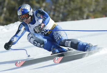 RAHLVES OF US SKIS TO FOURTH IN MENS WORLD CUP DOWNHILL.