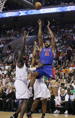 Detroit Pistons Rasheed Wallace shoots against Philadelphia 76ers during the first quarter of Game 6 of their NBA basketball playoff series in Philadelphia