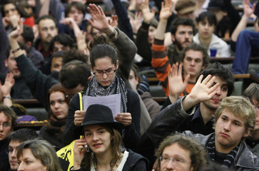 Students vote during a general assembly at the University in Strasbourg