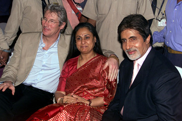 HOLLYWOOD STAR RICHARD GERE AND INDIAN SCREEN ICON AMITABH BACHCHANPOSE FOR PHOTOGRAPHERS IN BOMBAY.