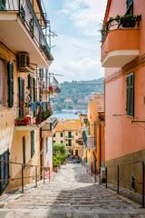 Dans les rues de Porto Santo Stefano en Toscane