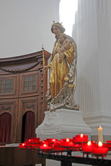 mariastatue, kirche in solothurn, schweiz