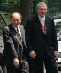 US Assistant Secretary of State for East Asian and Pacific Affairs Hill walks with Japan's top ...