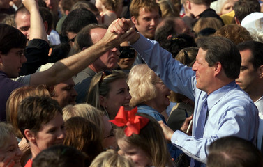 GORE GREETS SUPPORTERS DURING RALLY IN LITTLE ROCK.