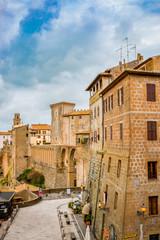Dans les rues de Pitigliano en Toscane