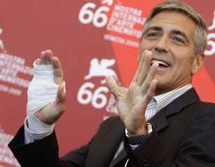 """Actor Clooney attends the """"The Men Who Stare At Goats"""" photocall during the 66th Venice Film Festival"""
