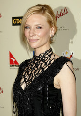 Cate Blanchett poses at the G'Day USA: Australia Week 2007 Penfolds Icon gala in Los Angeles